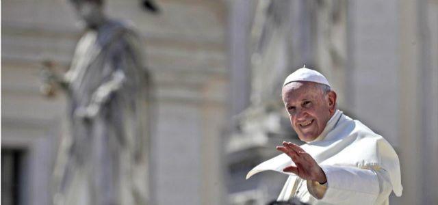 """Papa Francisco: """"El trabajo otorga dignidad al hombre, no el dinero"""""""