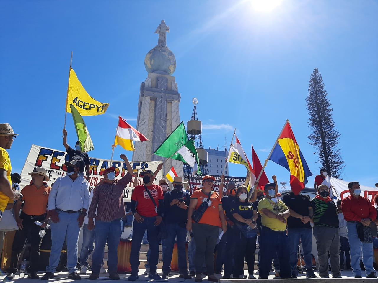 Trabajadores y trabajadoras se movilizaron en el día del sindicalismo salvadoreño
