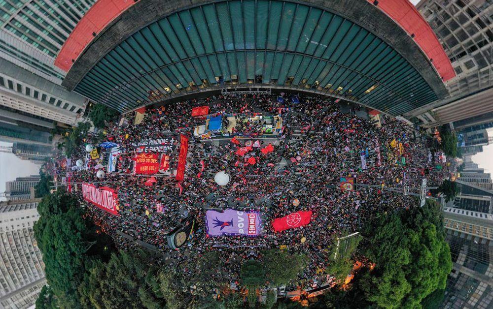 CSPB estuvo presente en las multitudinarias marchas contra Bolsonaro