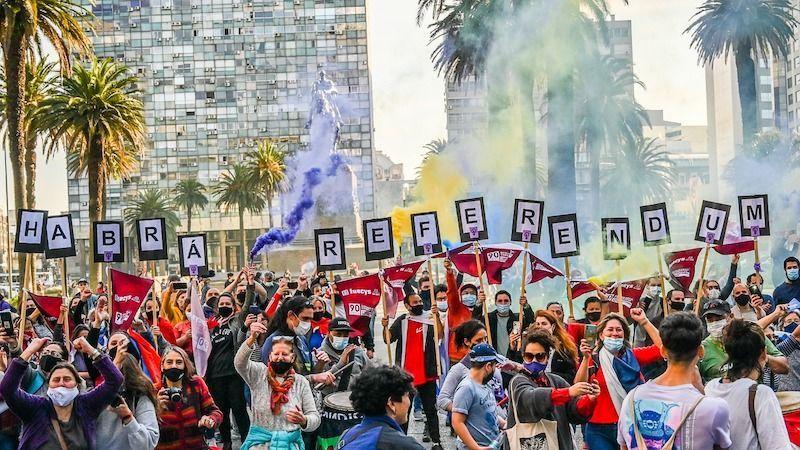 Referéndum en Uruguay: Escribiendo la historia